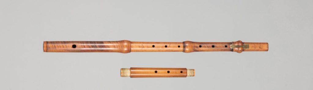 Flûte en buis estampillée de l'aigle d'HAMMIG