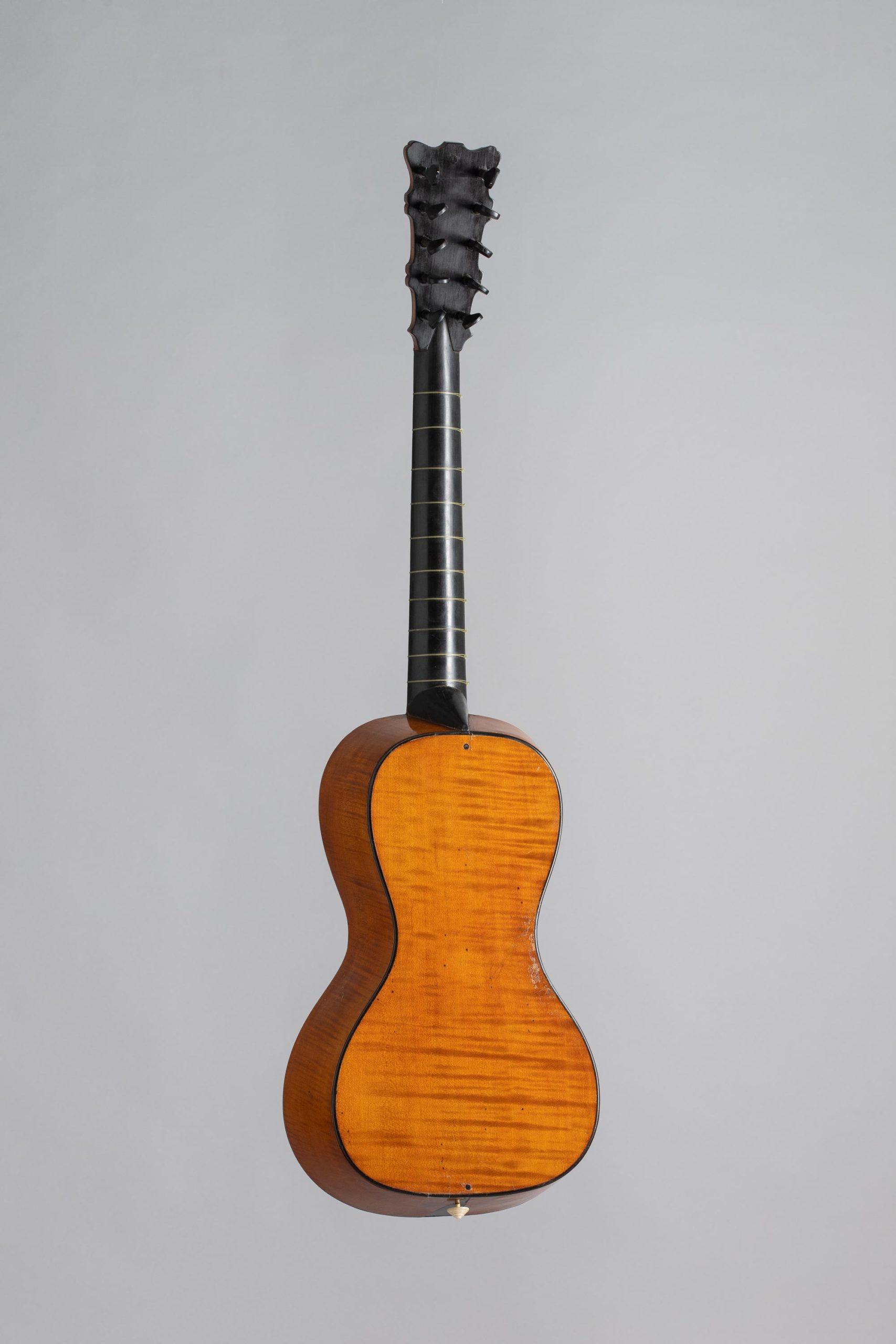 Guitare bateau de Pierre MICHELOT