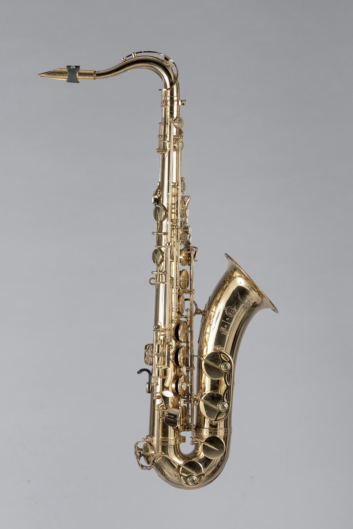 Saxophone ténor en laiton verni SELMER