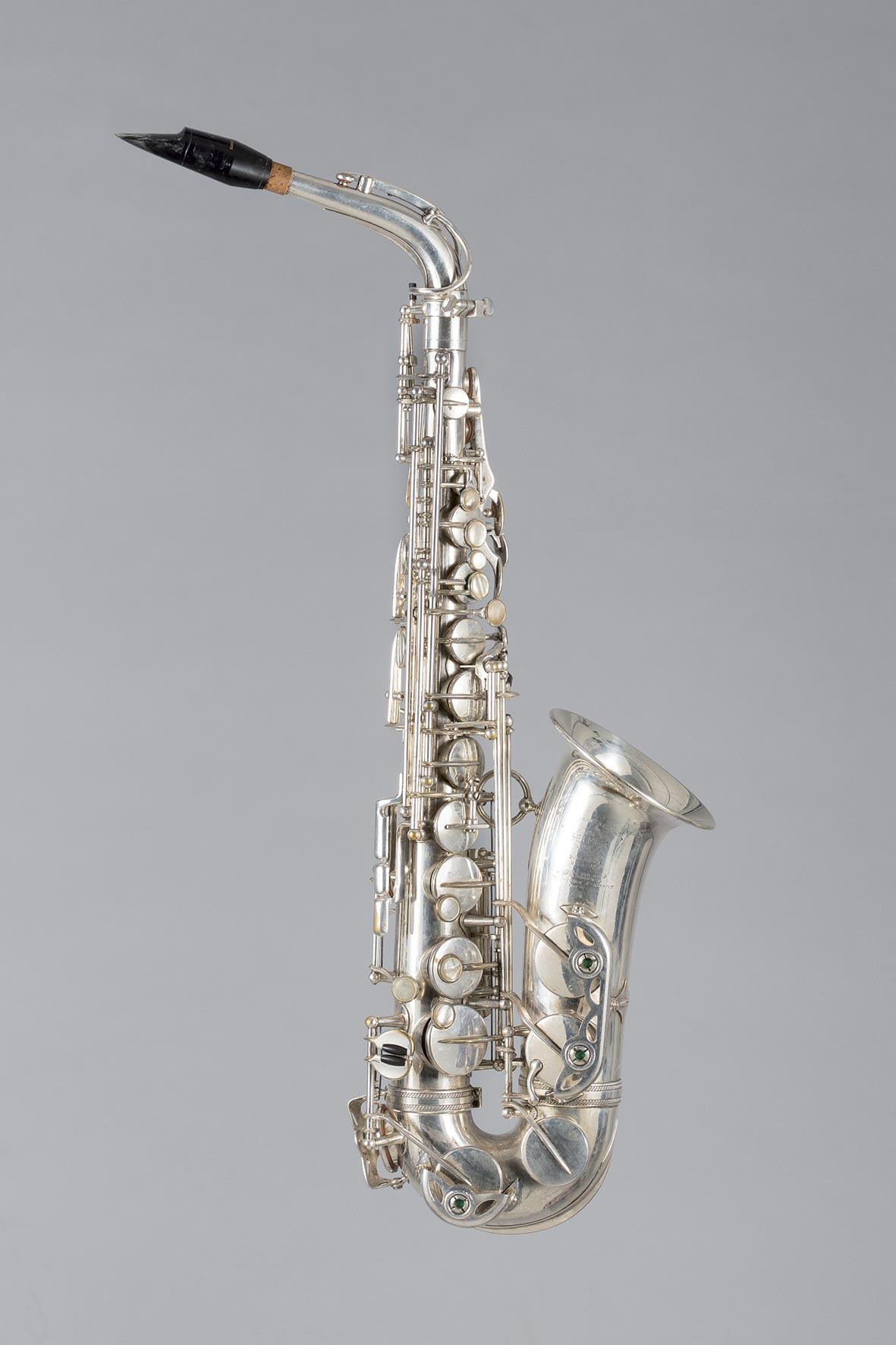 Saxophone alto en métal chromé SELMER