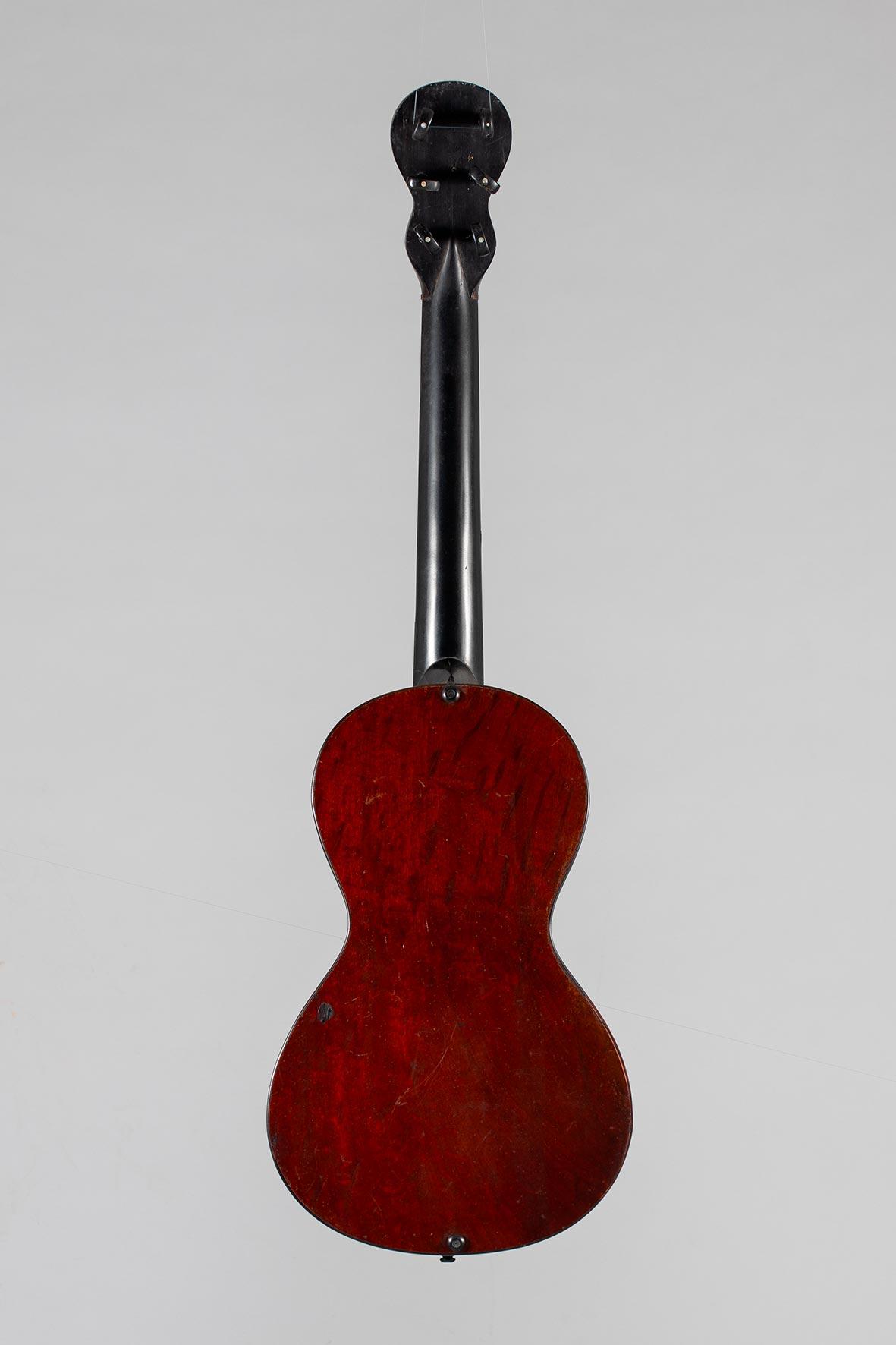 Guitare romantique de François ROUDLHOFF