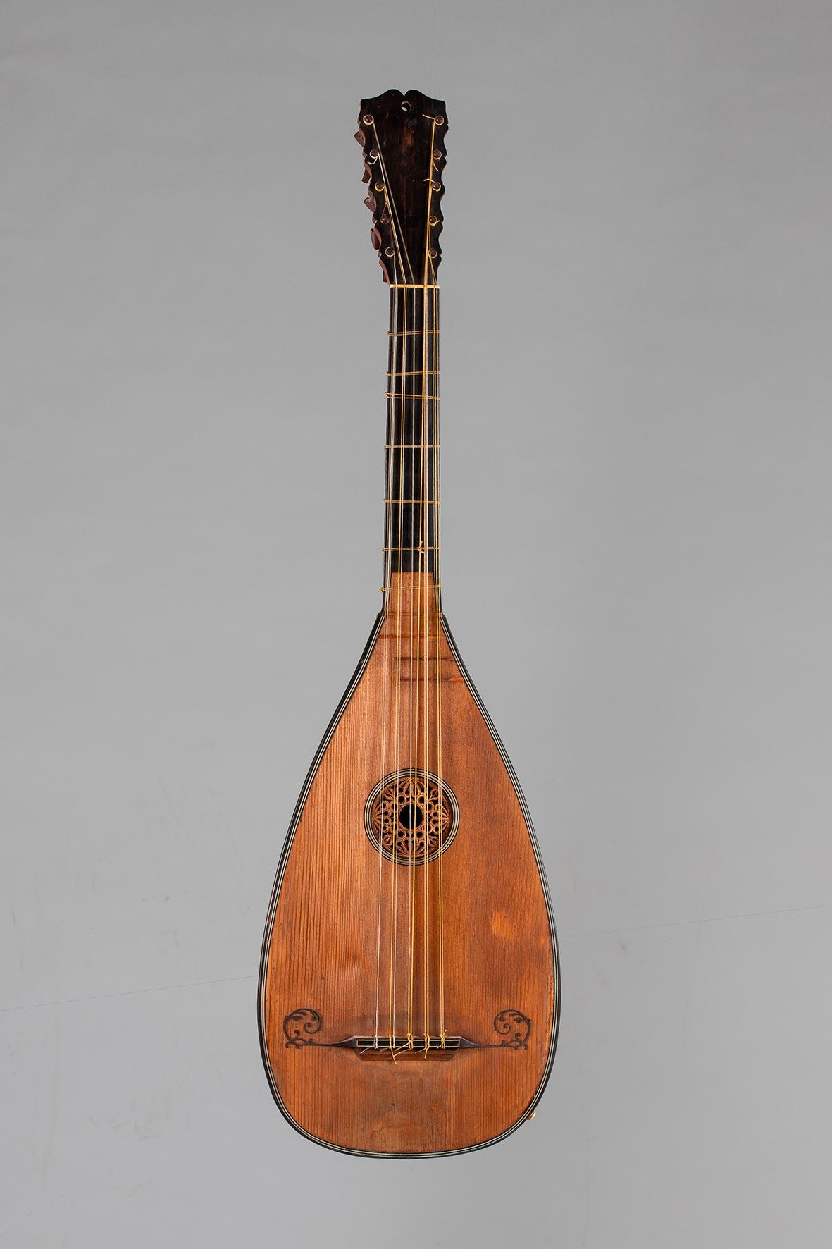 Guitare-luth baroque à cinq chœurs de SAUNIER