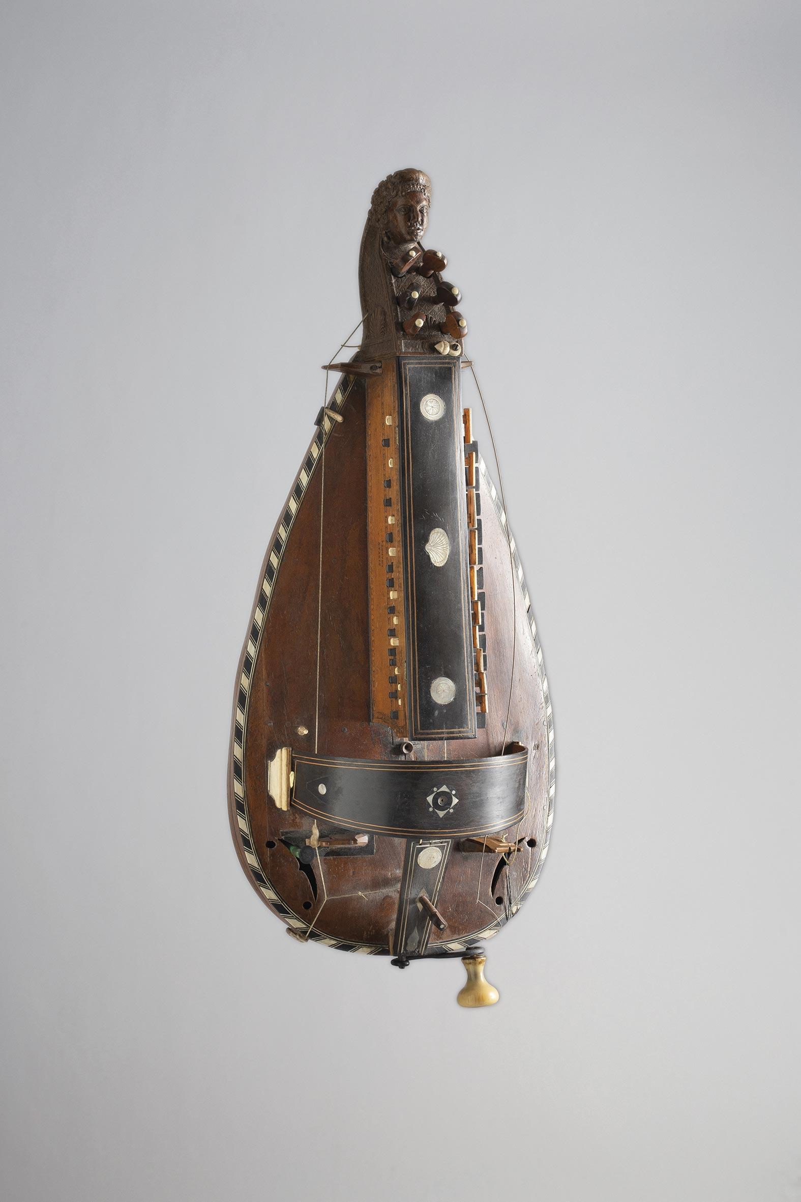 Vielle à roue par Jean LOUVET