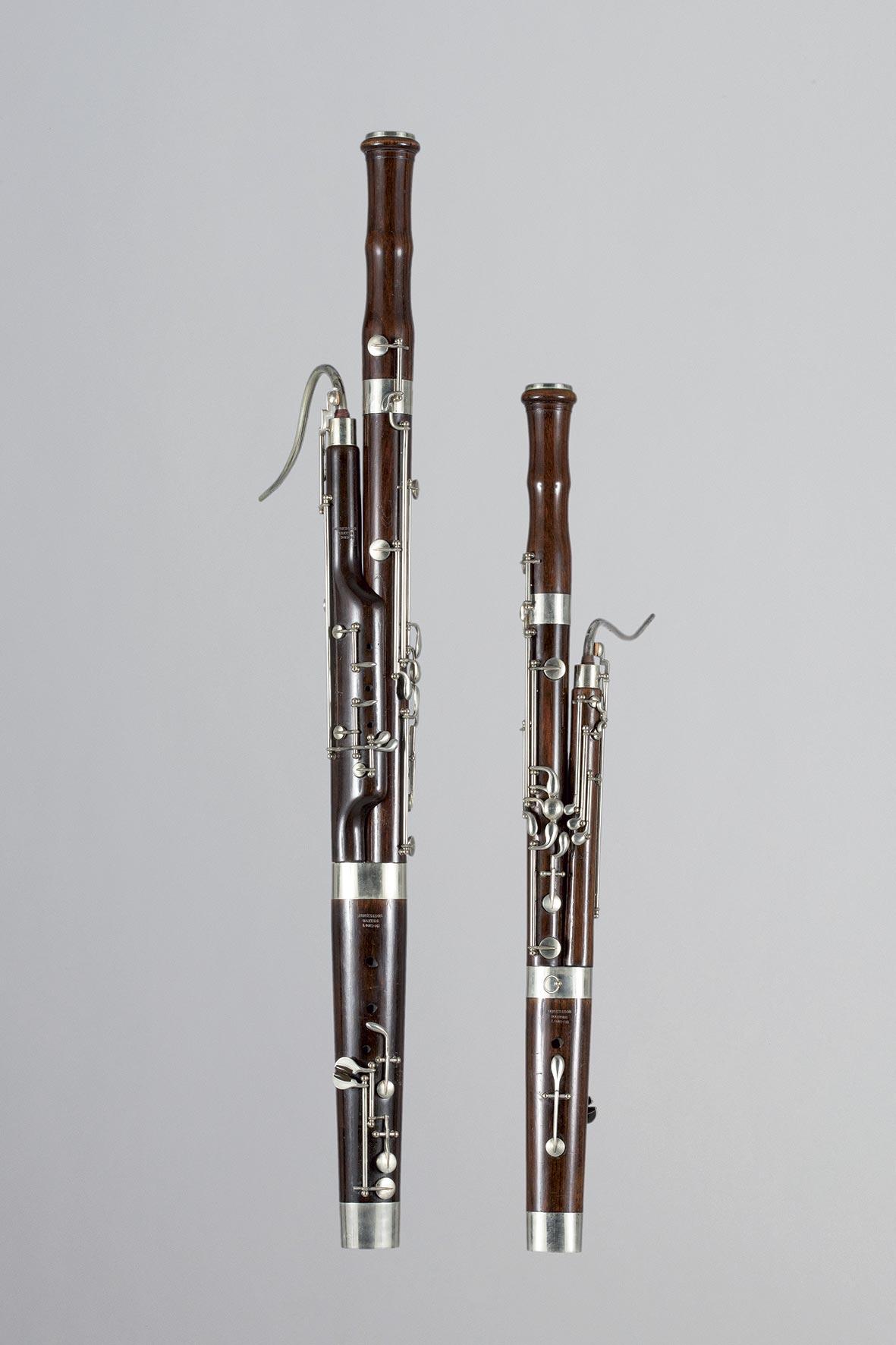Deux petits bassons probablement modèle d'exposition de HAWKES & Son Makers London