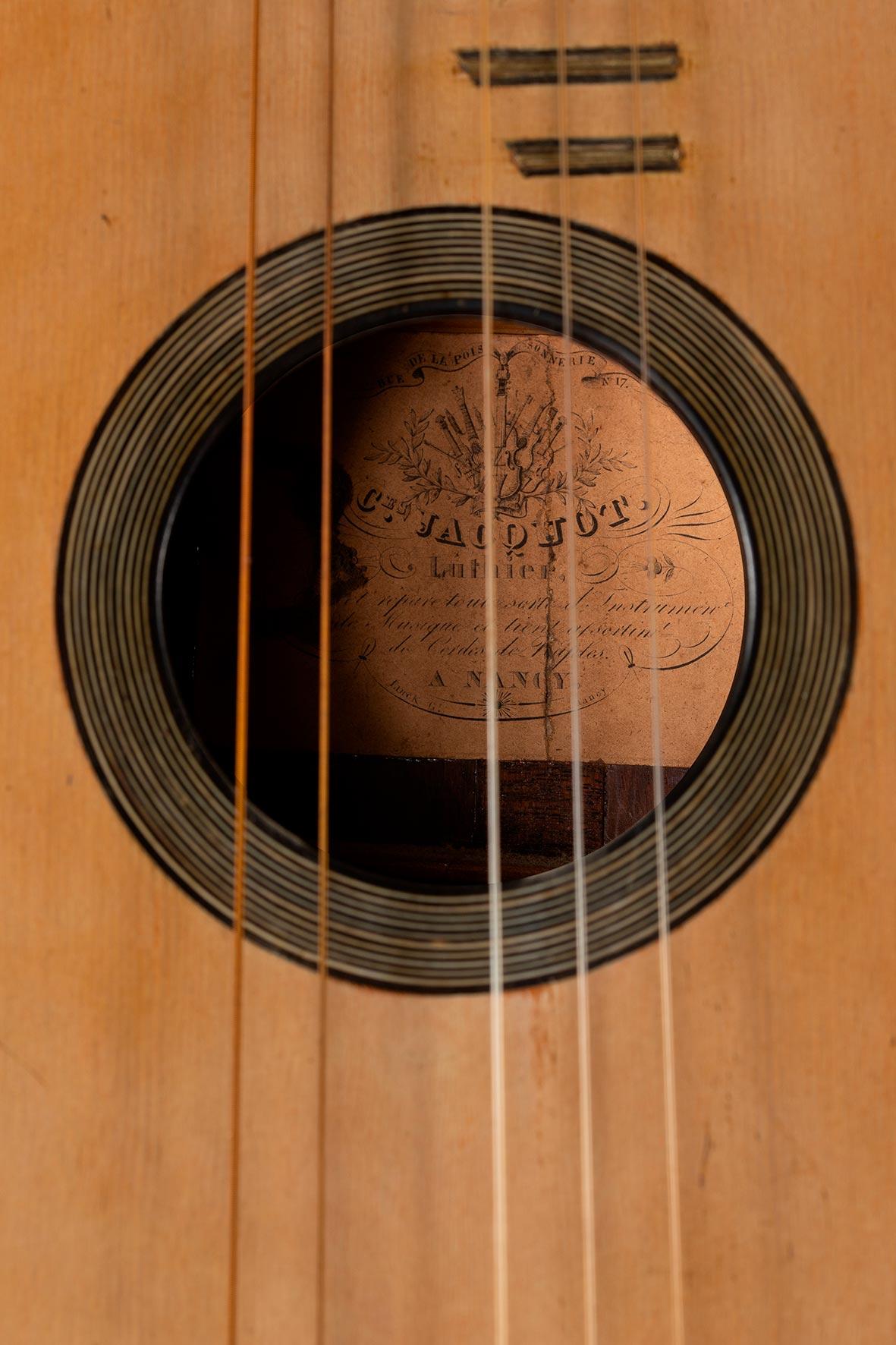 Guitare romantique de Charles JACQUOT