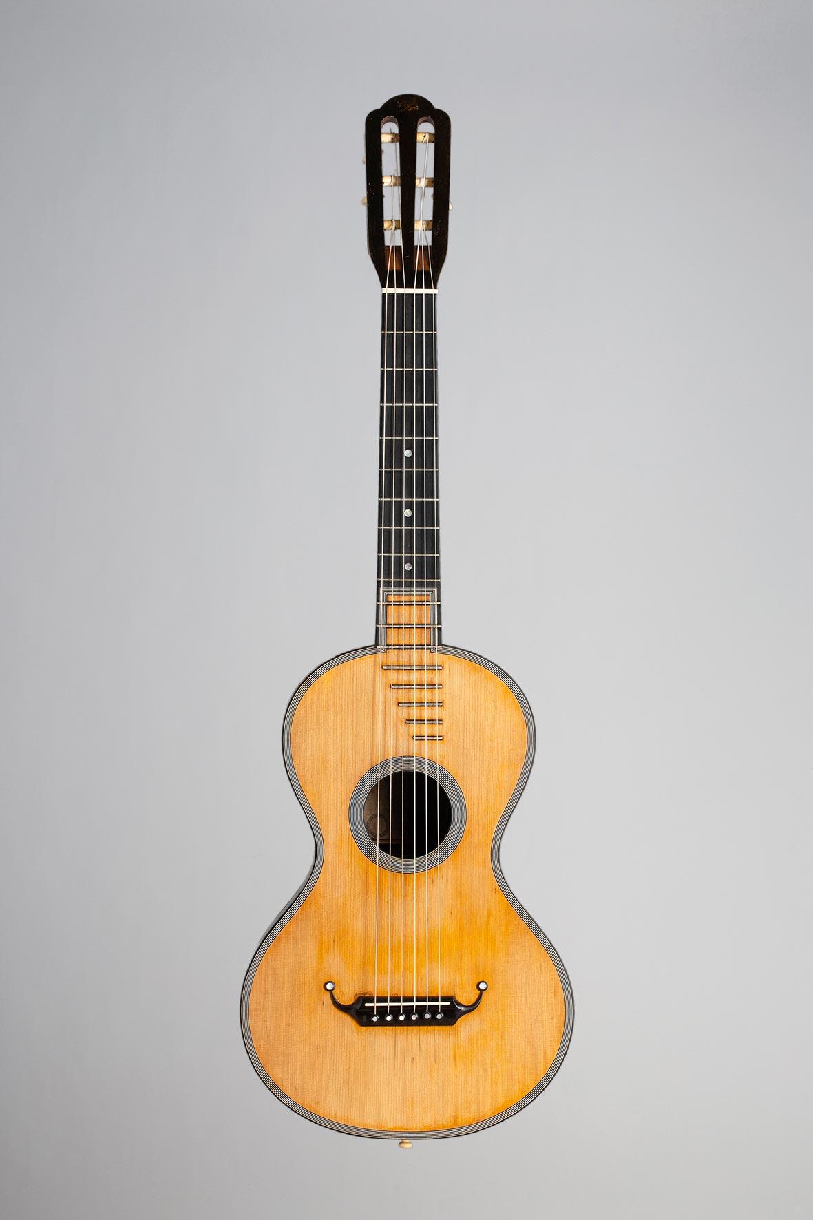 Guitare de René LACOTE