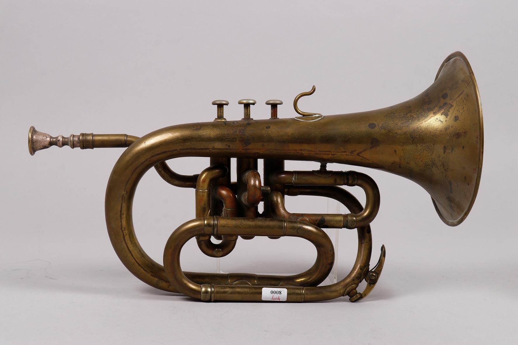 Bugle si bémol en laiton modèle compact à trois pistons, estampillé Eugène THIBOUVILLE