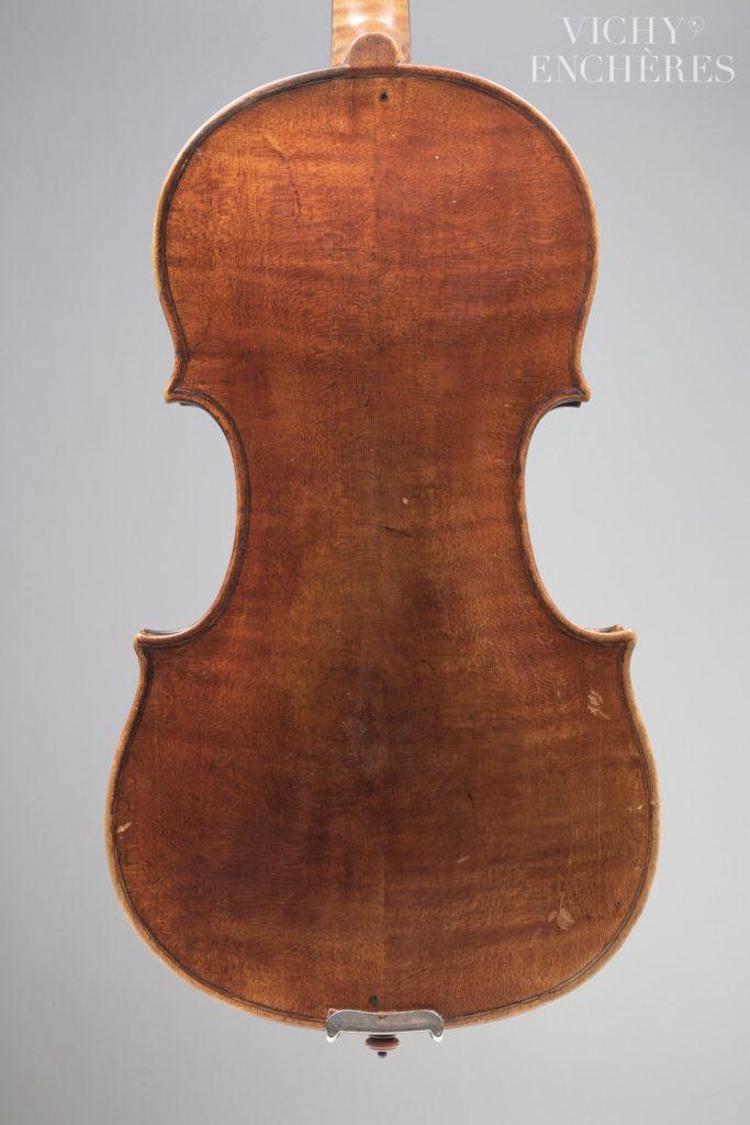 Intéressant violon de Bernardus CALCANUS