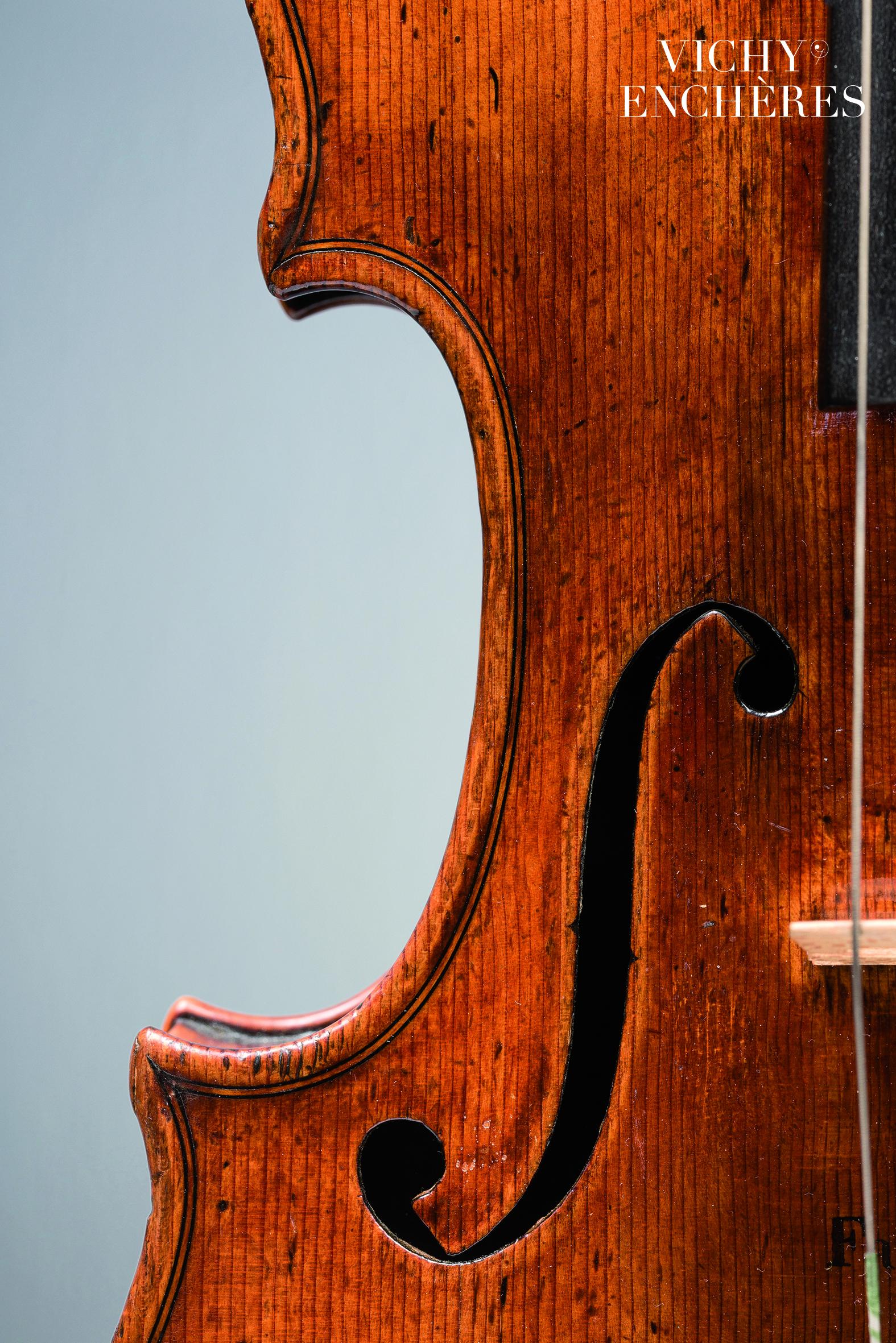 """Violon de Jean-Baptiste VUILLAUME dit le """"Faisan doré"""""""