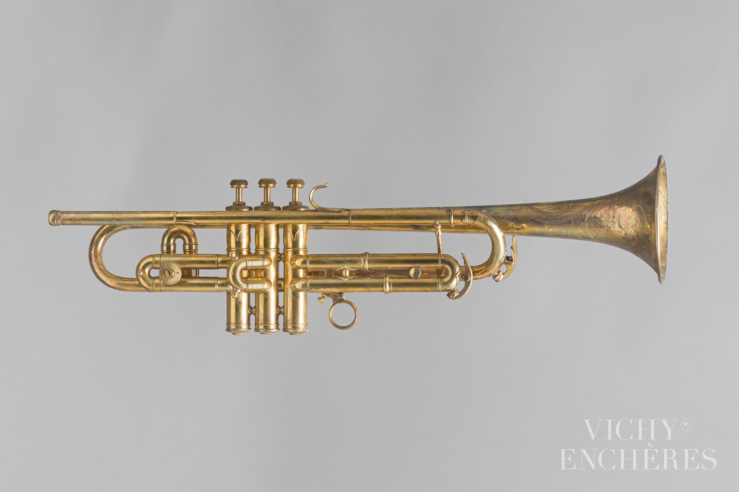 Trompette en si bémol/la estampillée C.G. CONN Elkhart - Collection Patrick Delile