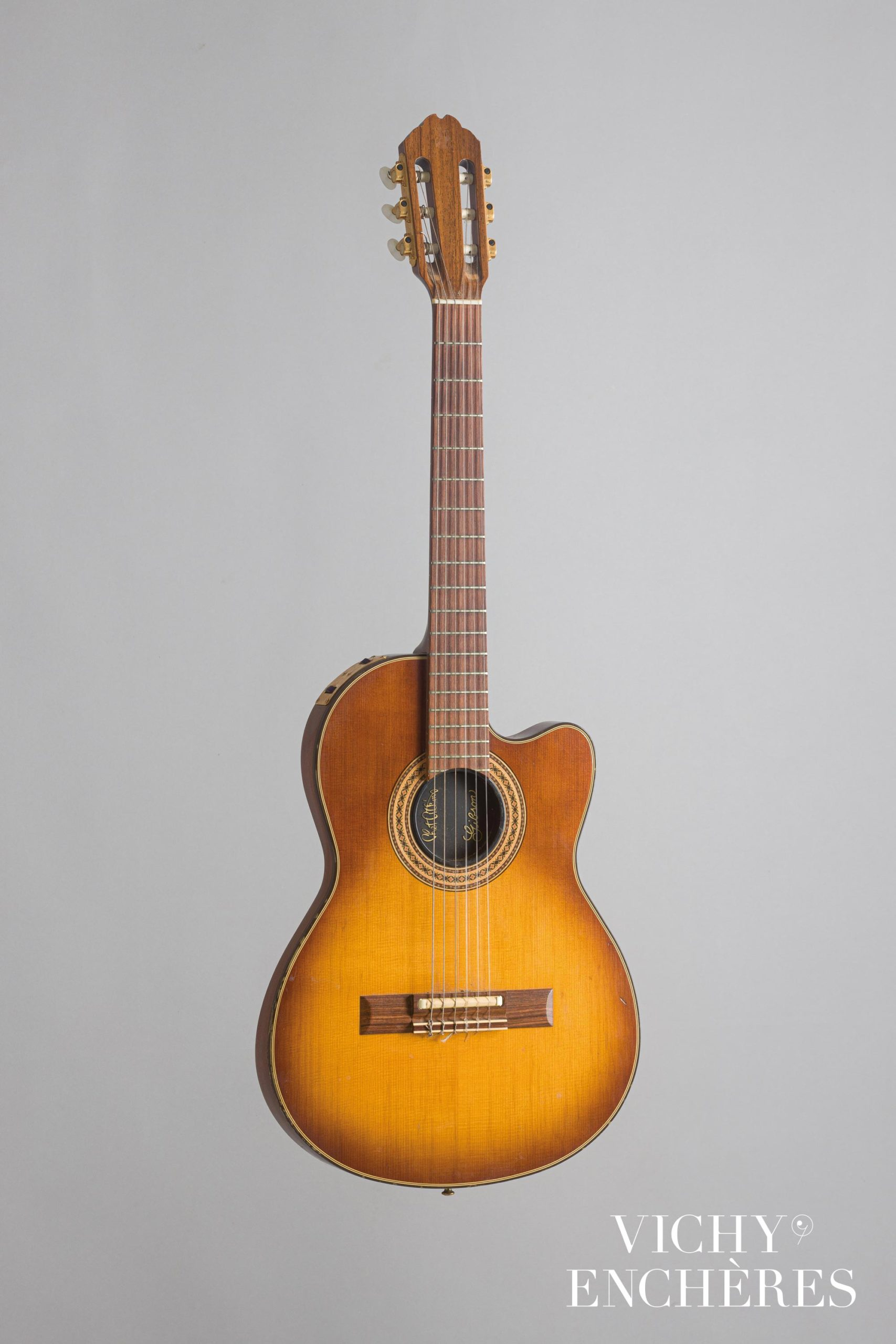 Guitare solidbody GIBSON modèle Chet Atkins