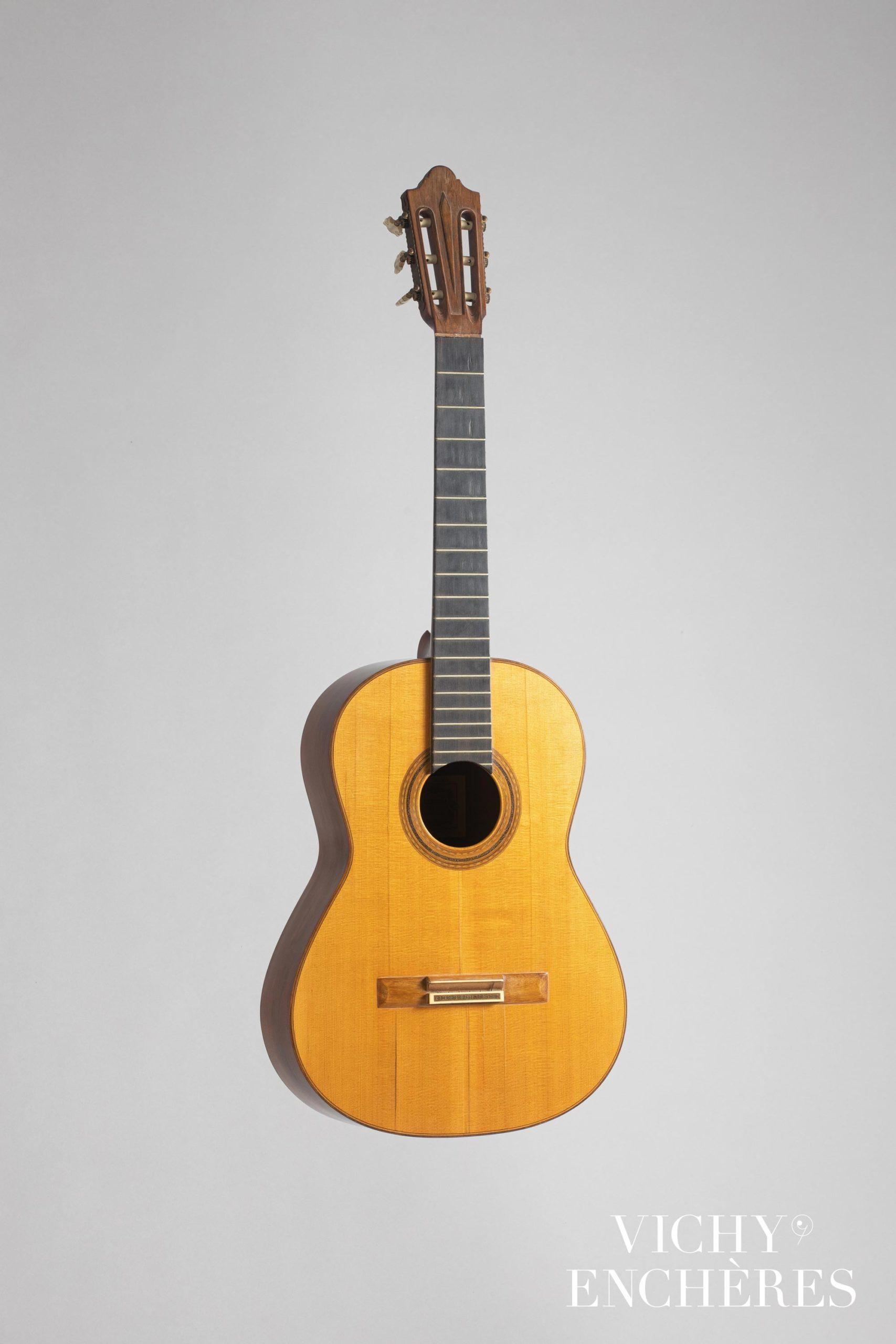 Guitare classique de Daniel FRIEDERICH n°194 de 1967