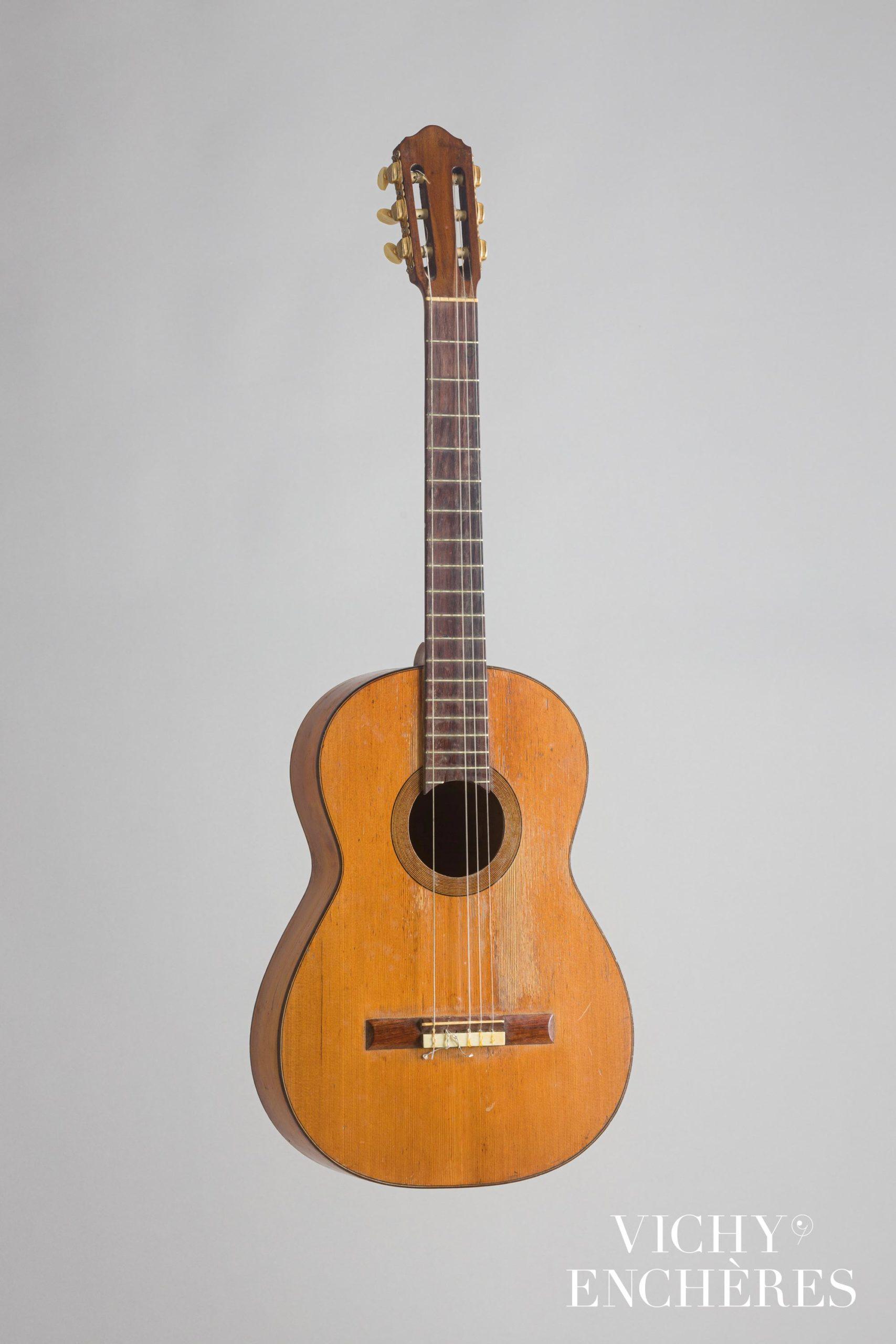 Guitare espagnole de Manuel RAMIREZ